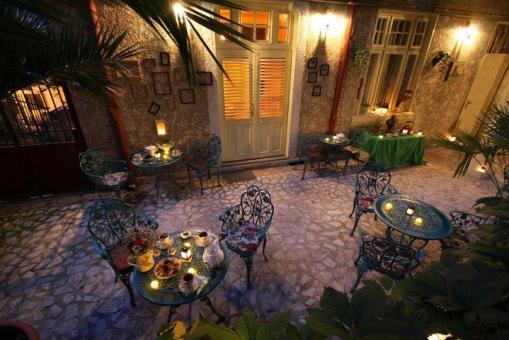 Bucharest romantic images 2